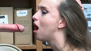 Shoplifter 18-Years-Old Izzy Lush throats LP Officers bigcock
