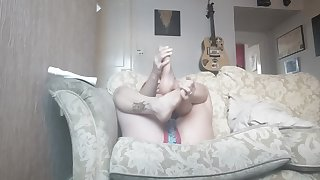 Pixie Nixx Moisturises her Sexy Feet and Shakes her Booty