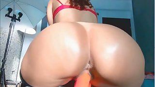 stepsister with big ass rides dildo on webcam